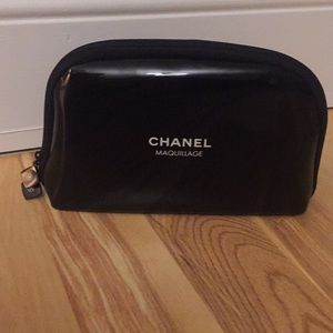 Chanel makeup bag zippered pouch maquillage black